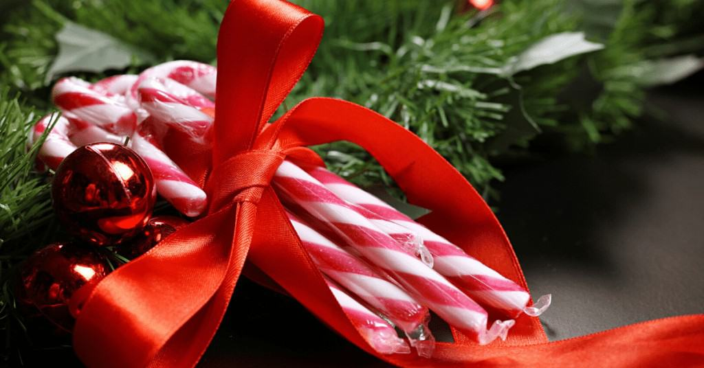 Christmas-Candy-Canes-Bow-Tree