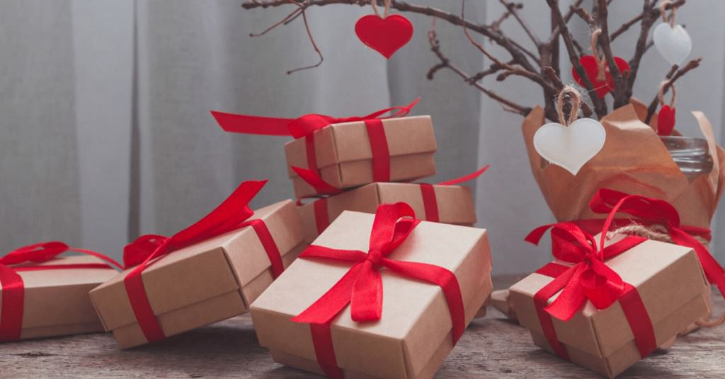 Eco-Friendly-Gifts-Christmas-Presents-Red-Bow