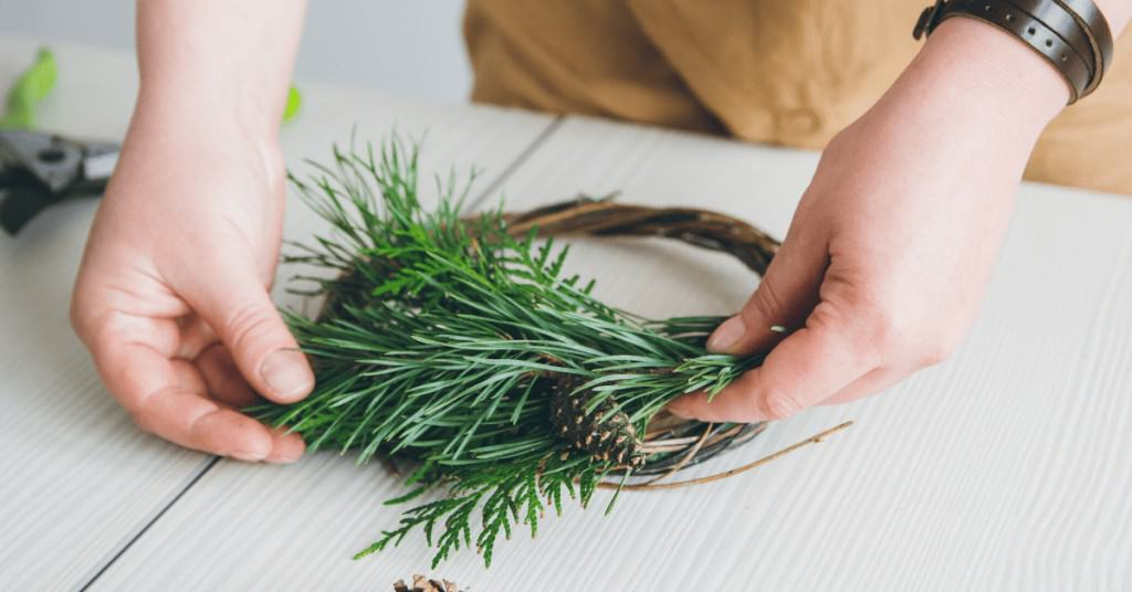 How-to-Make-a-Christmas-Wreath-Attaching-Foliage
