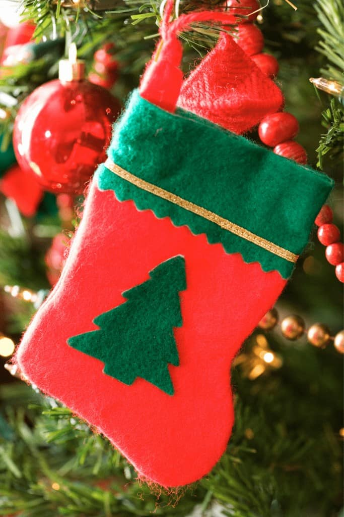 How-to-Make-a-Stocking-Green-Tree