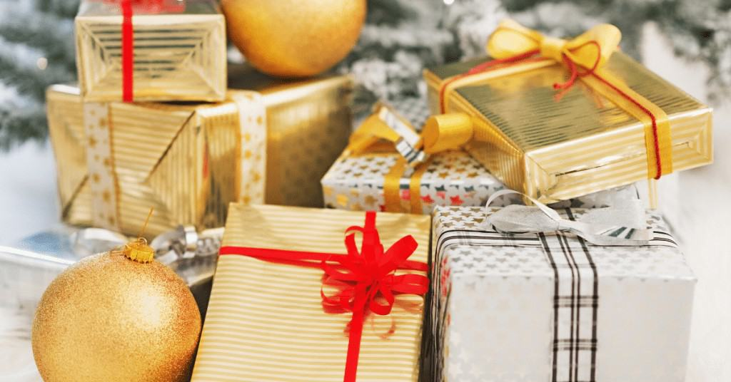 Stocking-Filler-Ideas-Stack-of-Gold-Presents