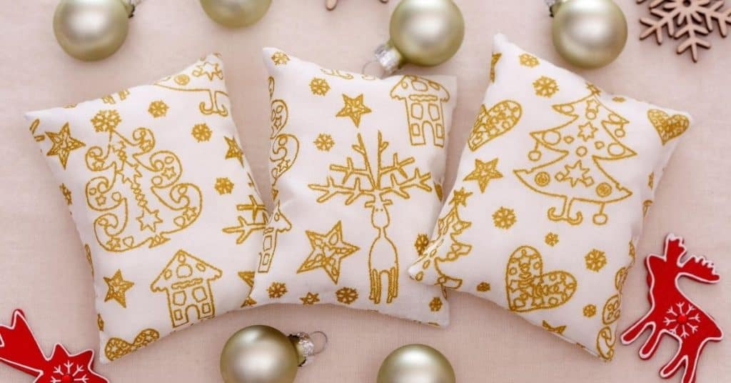 White and Gold Christmas Cushion Covers - From the UK - Open for Christmas