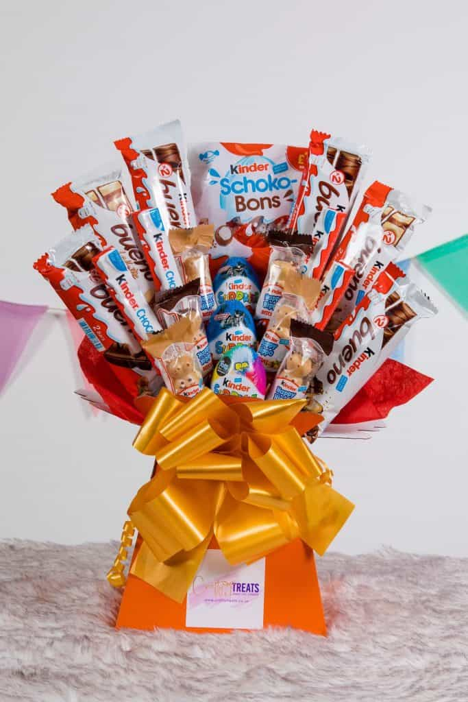 Kinder Bueno Luxury Bouquet - best gifts for chocolate lovers UK - Open for Christmas