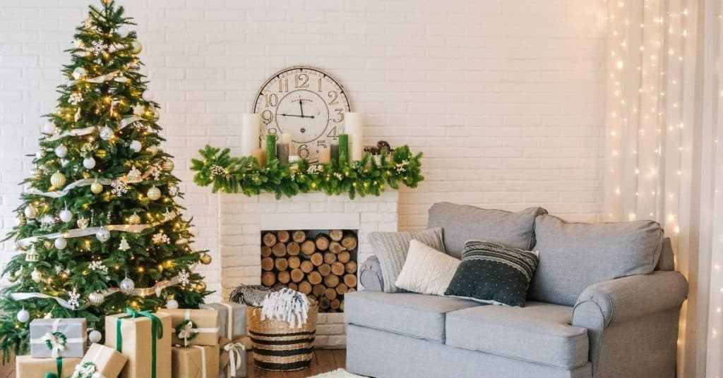 Christmas decorations to celebrate in Australia - Open for Christmas