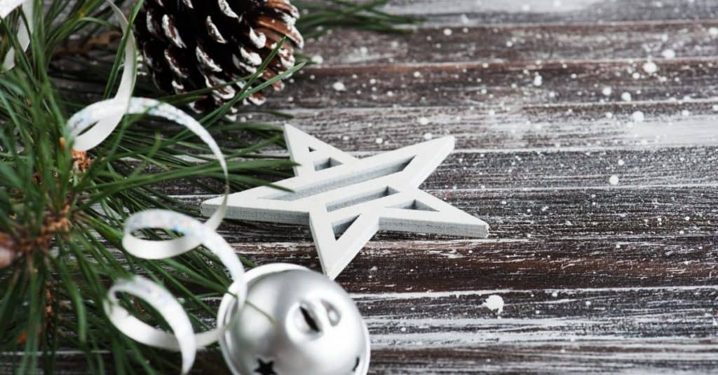 How to put ribbon on a Christmas tree - Open for Christmas